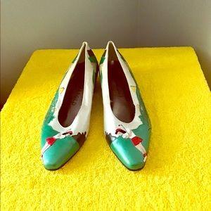 Shoes - Vintage Margaret j golf shoes